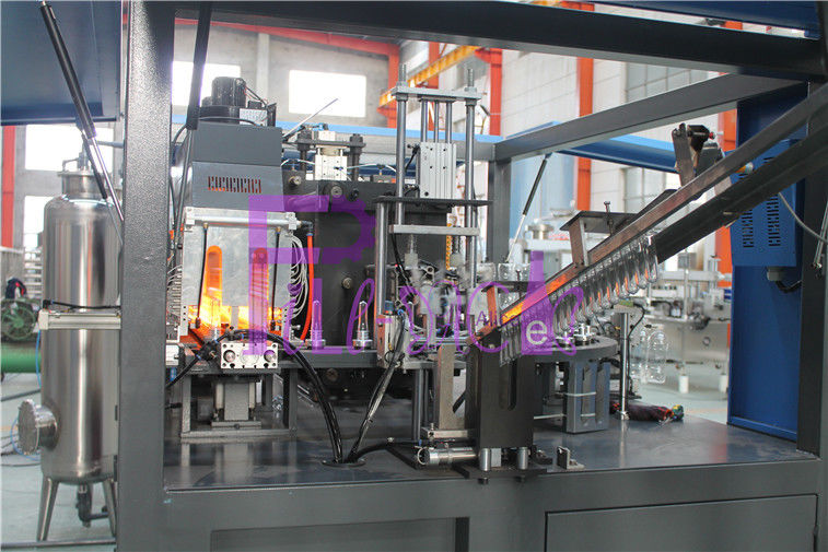 Pneumatic Two Cavity PET Bottle Injection Machine For Juice Processing Line